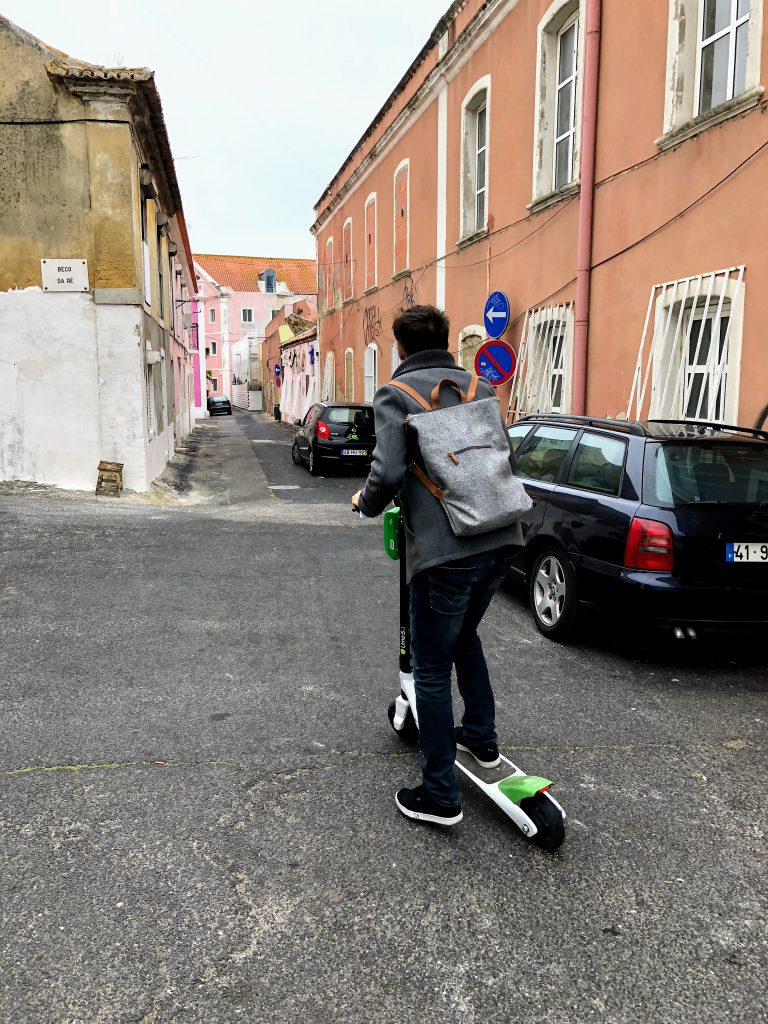 Per Lime Scooter zum Web Summit 2018 © Olivia Ulbing