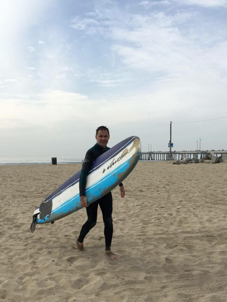 Auch eine Frage des Trainings: Surfen am Venice Beach (Foto: Olivia Ulbing)