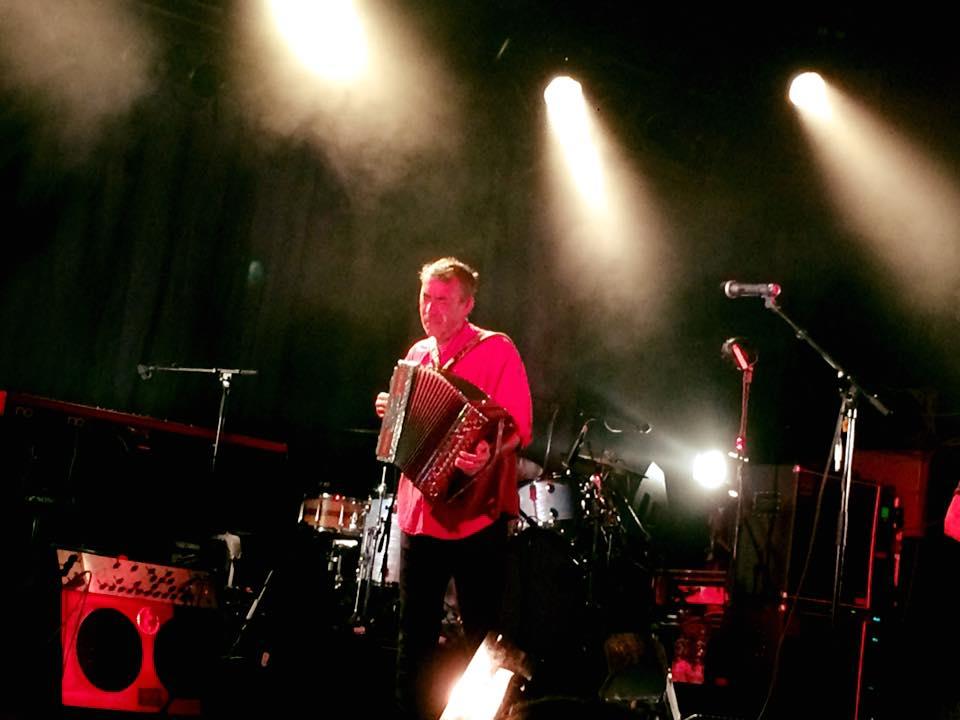 Hubert von Goisern bei einem Konzert 2016 im Hamburger Kaiserkeller (Foto: Thomas Sommeregger)